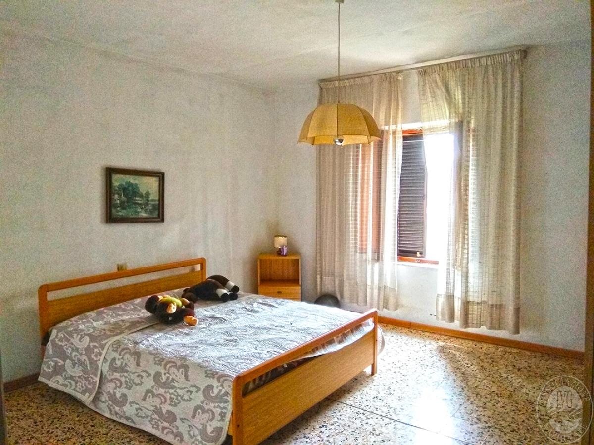 Appartamento e magazzino a CASOLE D'ELSA in Via della Suvera 20