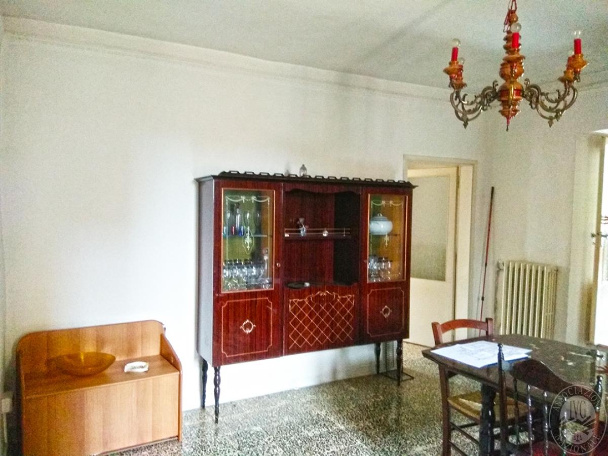 Appartamento e magazzino a CASOLE D'ELSA in Via della Suvera 23