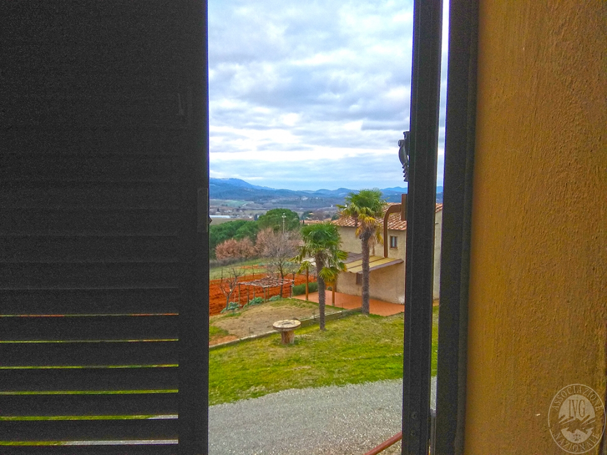 Appartamento e magazzino a CASOLE D'ELSA in Via della Suvera 29