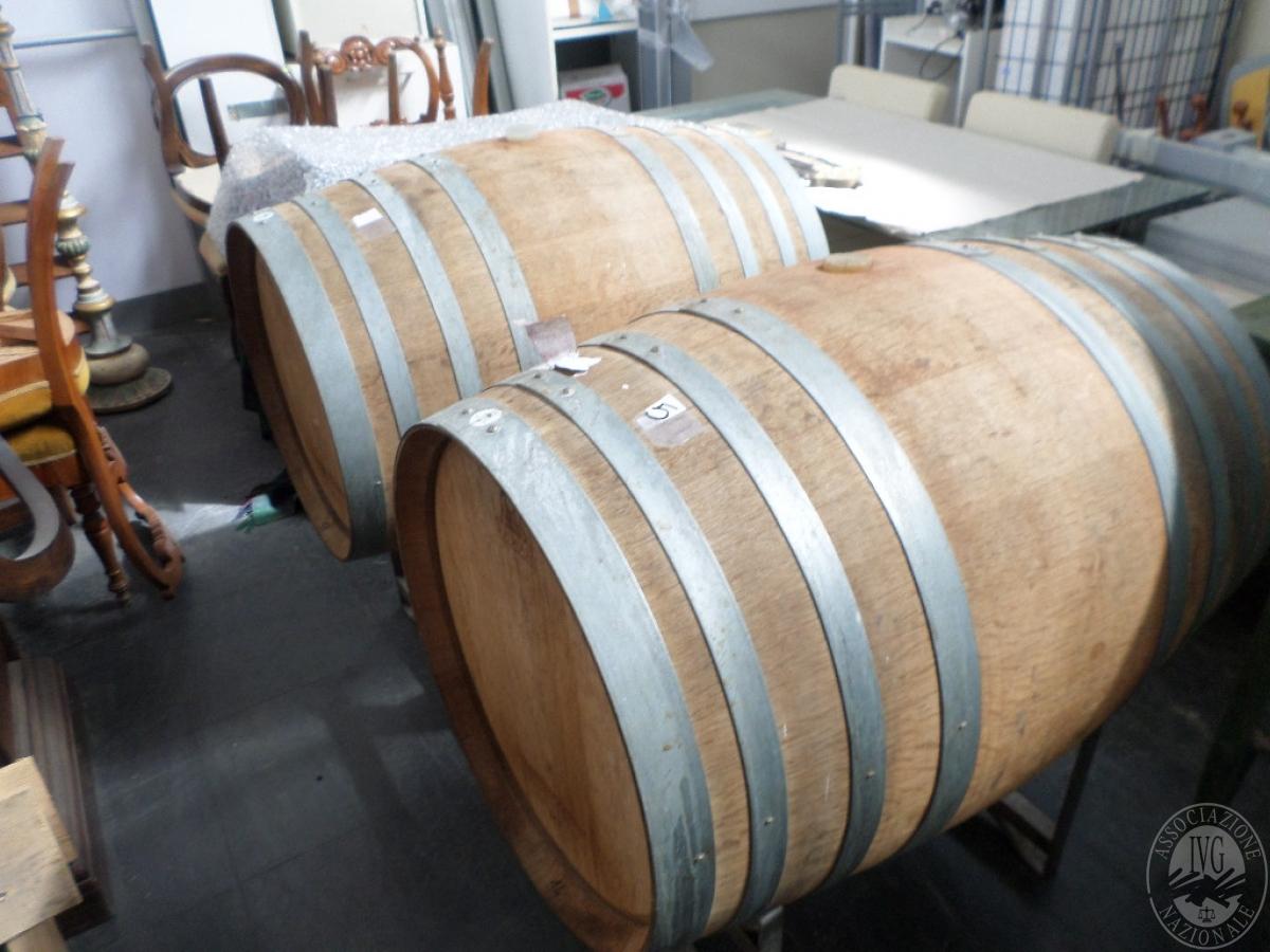 Lotto 18) N. 2 Barriques in legno da 2,25 q.li ciascuna contenente vino rosso   GARA ONLINE 24 MAGGIO 2021