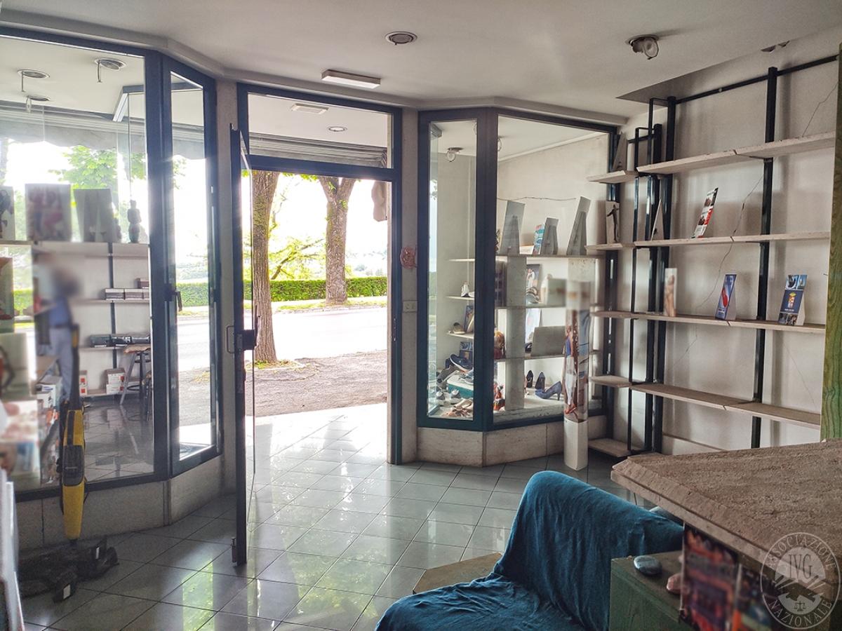 Locale commerciale a CHIANCIANO TERME in Viale della Libertà - Lotto 1 1
