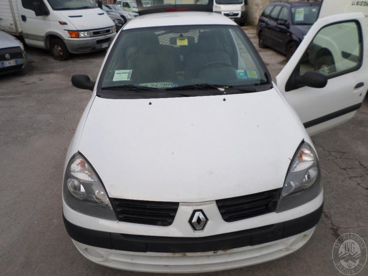 Rif. 2) Autocarro Renault Clio     GARA ONLINE 24 SETTEMBRE 2021 1