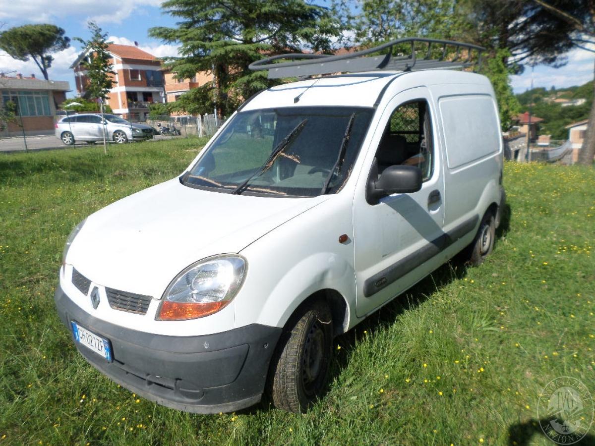 Rif. 3) Autocarro Renault Kangoo    GARA ONLINE 25 NOVEMBRE 2021