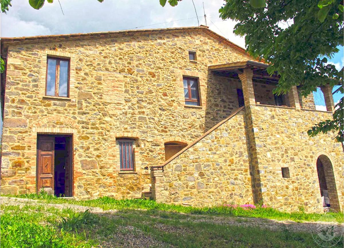 Coloniche con cantina, magazzini e vigneti a Montalcino - Lotto 11