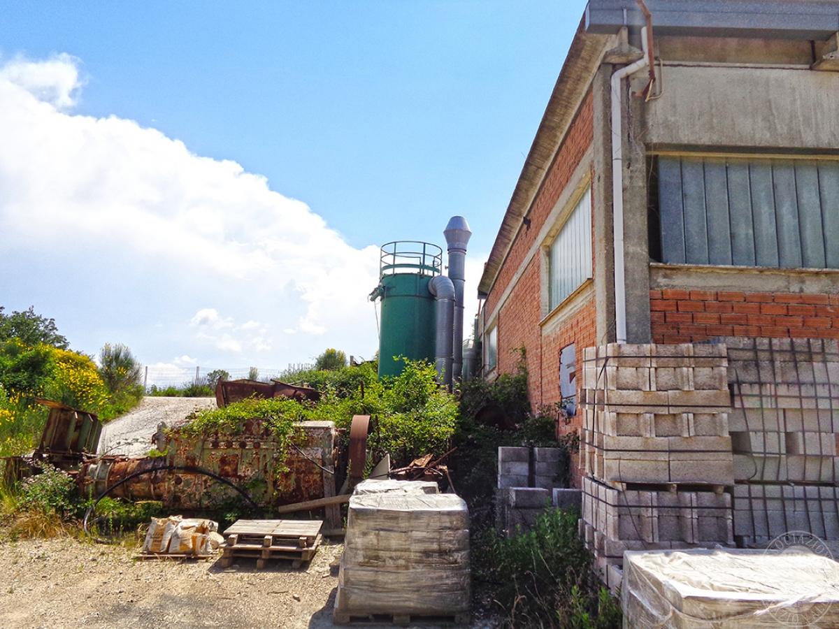 Laboratori e terreni a Trequanda in località Madonnino dei Monti 2