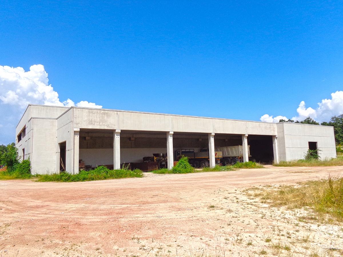 Laboratori e terreni a Trequanda in località Madonnino dei Monti 16