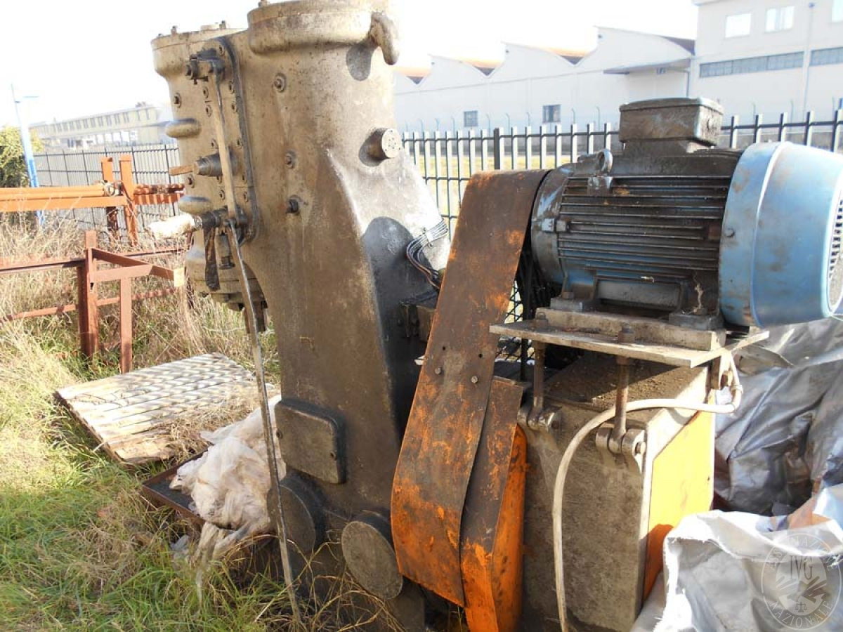 Maglio compressore + macchinari per la lavorazione del ferro, etc.   GARA ONLINE 29 OTTOBRE 2021 0