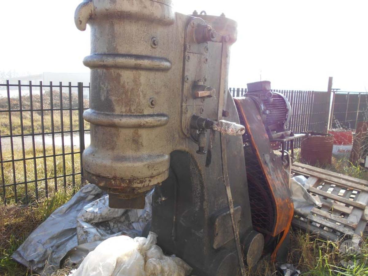 Maglio compressore + macchinari per la lavorazione del ferro, etc.   GARA ONLINE 29 OTTOBRE 2021 1