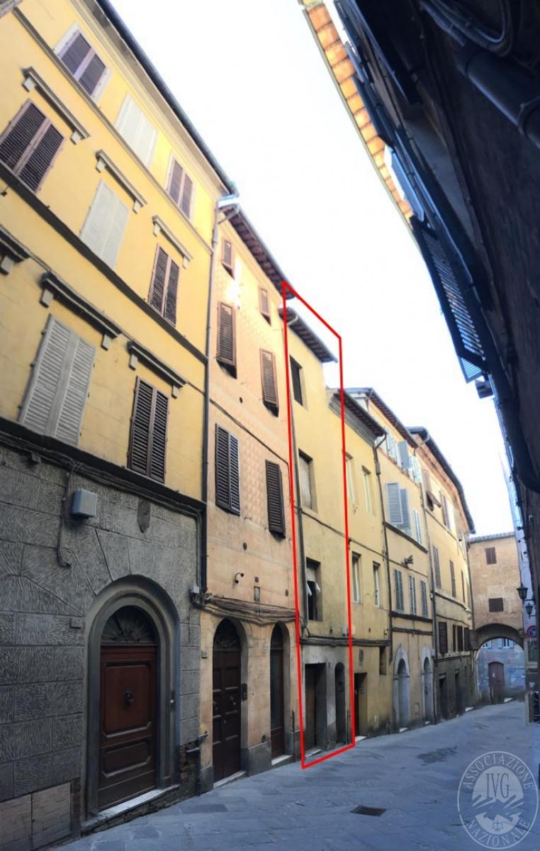 Appartamenti e locale commerciale a SIENA, via di Stalloreggi - Lotto 3