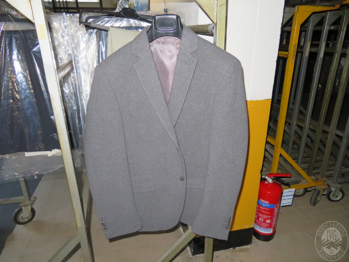 Circa n. 515 giacche + 221 completi uomo    GARA ONLINE 22 OTTOBRE 2021 1