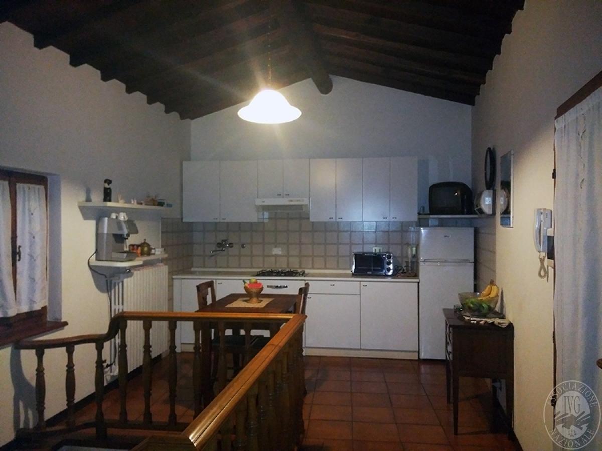 Appartamento, depositi, terreni a COLLE DI VAL D'ELSA in loc. San Martino in Lano 2