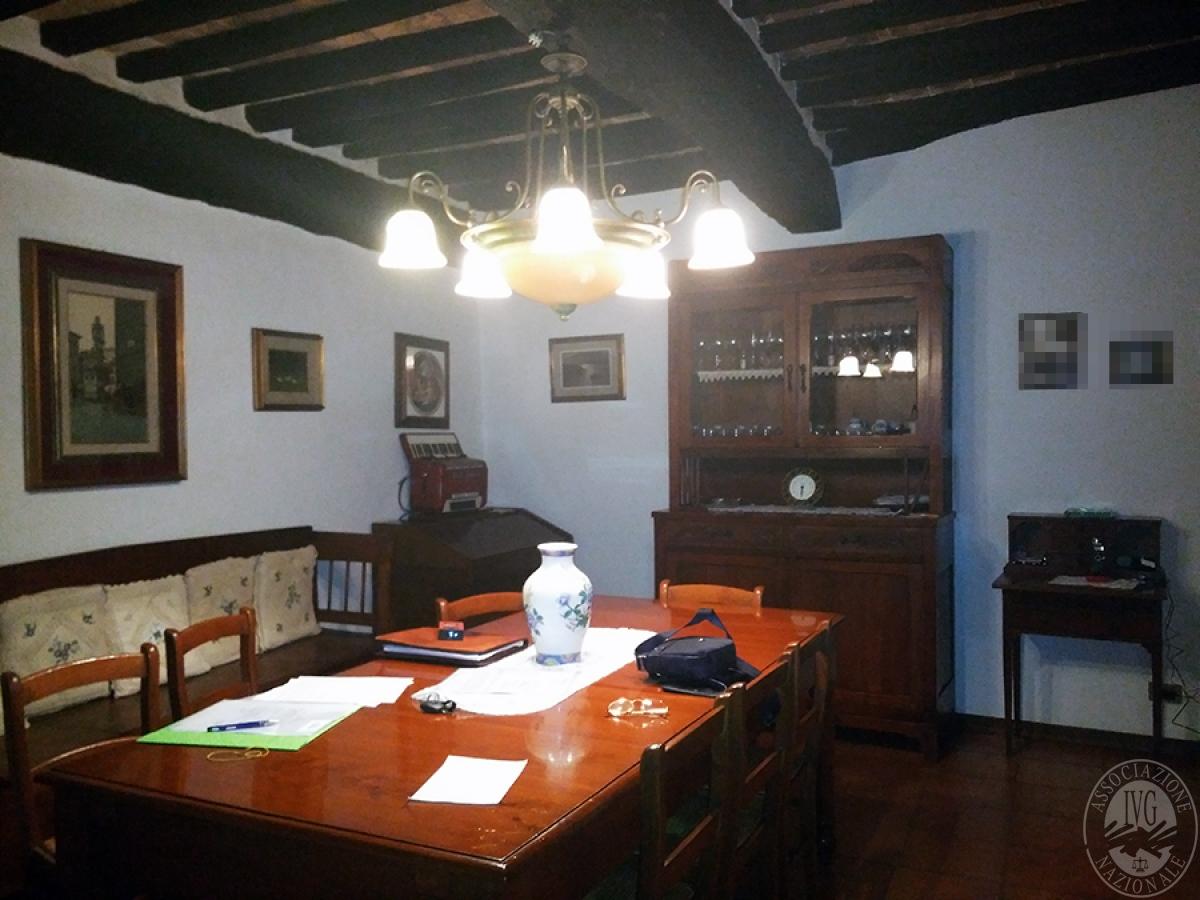 Appartamento, depositi, terreni a COLLE DI VAL D'ELSA in loc. San Martino in Lano 5