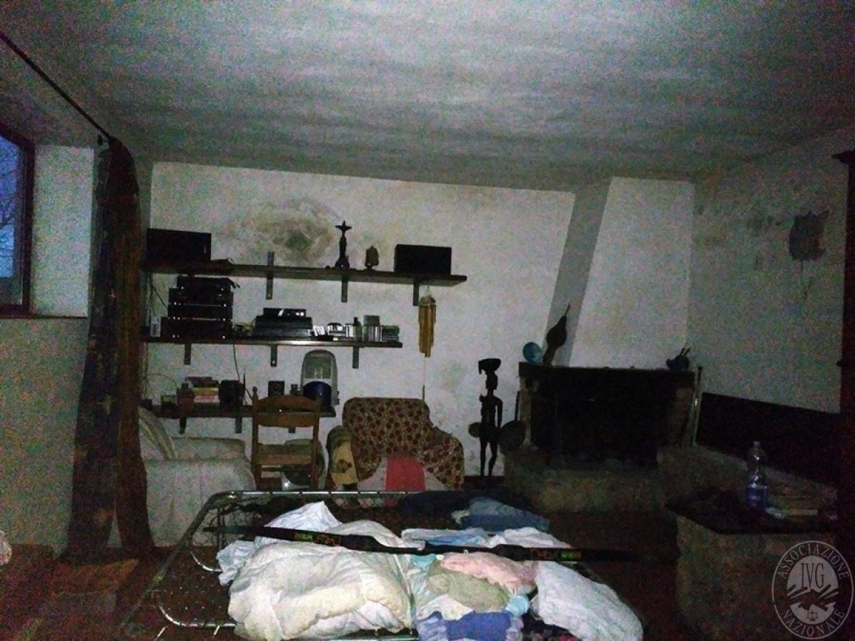 Appartamento, depositi, terreni a COLLE DI VAL D'ELSA in loc. San Martino in Lano 13
