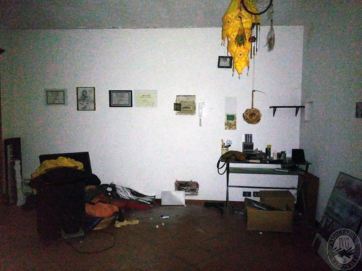 Appartamento, depositi, terreni a COLLE DI VAL D'ELSA in loc. San Martino in Lano 12