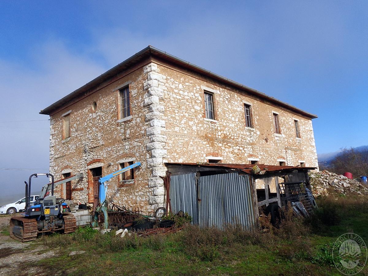 Appartamenti, magazzini, terreni ad ASCIANO in loc. Pianella 2