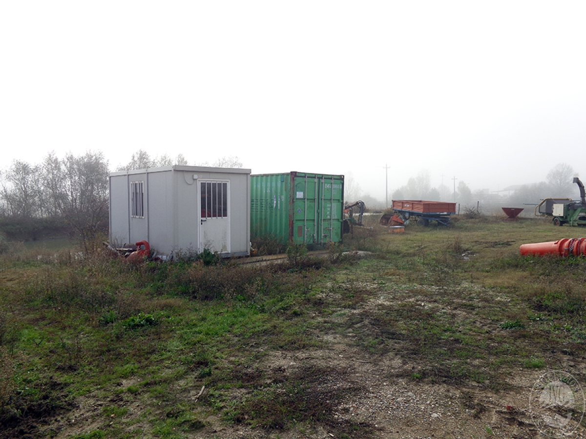 Appartamenti, magazzini, terreni ad ASCIANO in loc. Pianella 24
