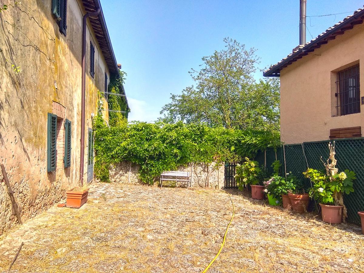 Appartamento in podere a Siena in loc. Lecceto 24