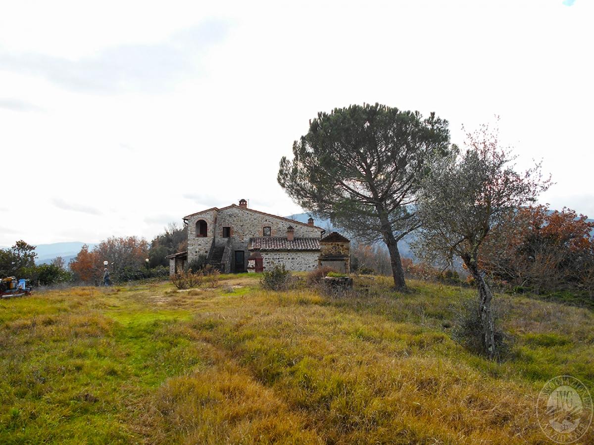 Appartamenti e terreni a Casole d'Elsa in Loc. Monatuto