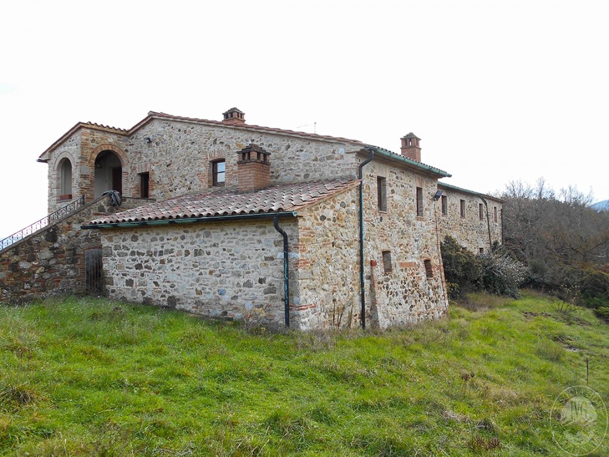 Appartamenti e terreni a Casole d'Elsa in Loc. Monatuto 4