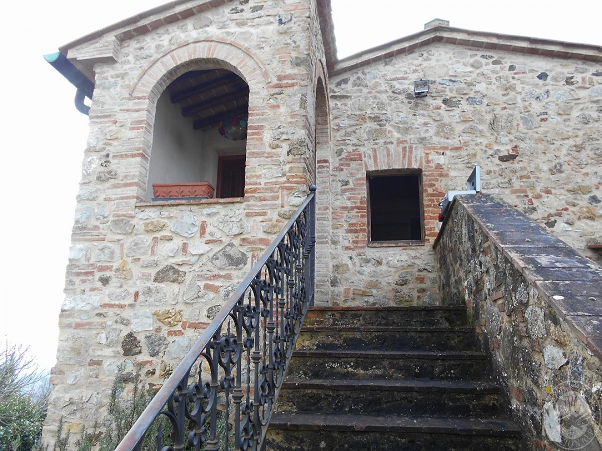 Appartamenti e terreni a Casole d'Elsa in Loc. Monatuto 7