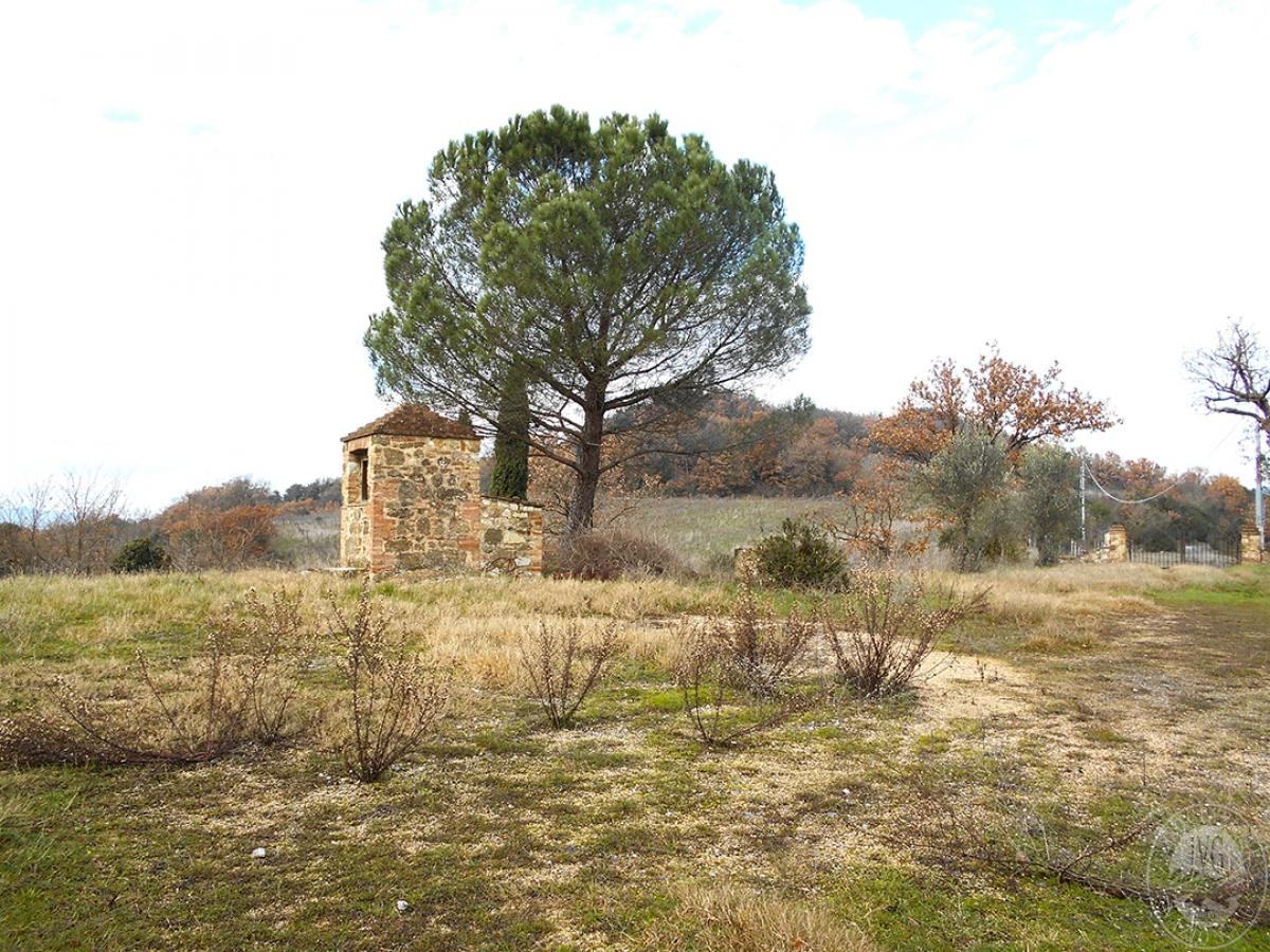 Appartamenti e terreni a Casole d'Elsa in Loc. Monatuto 10
