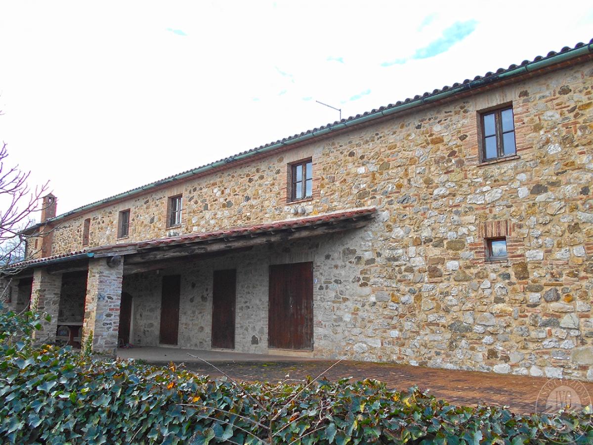 Appartamenti e terreni a Casole d'Elsa in Loc. Monatuto 12