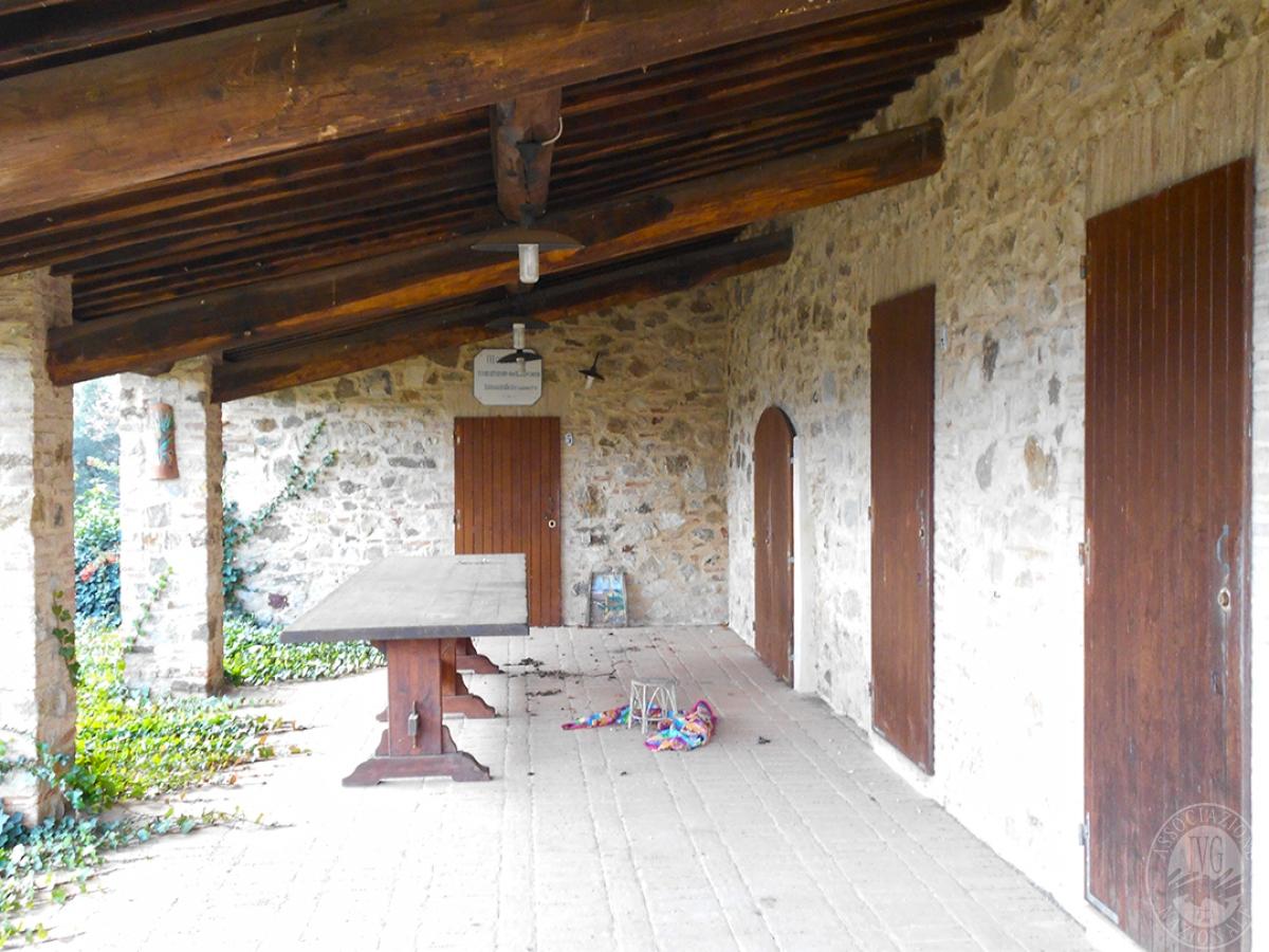 Appartamenti e terreni a Casole d'Elsa in Loc. Monatuto 13