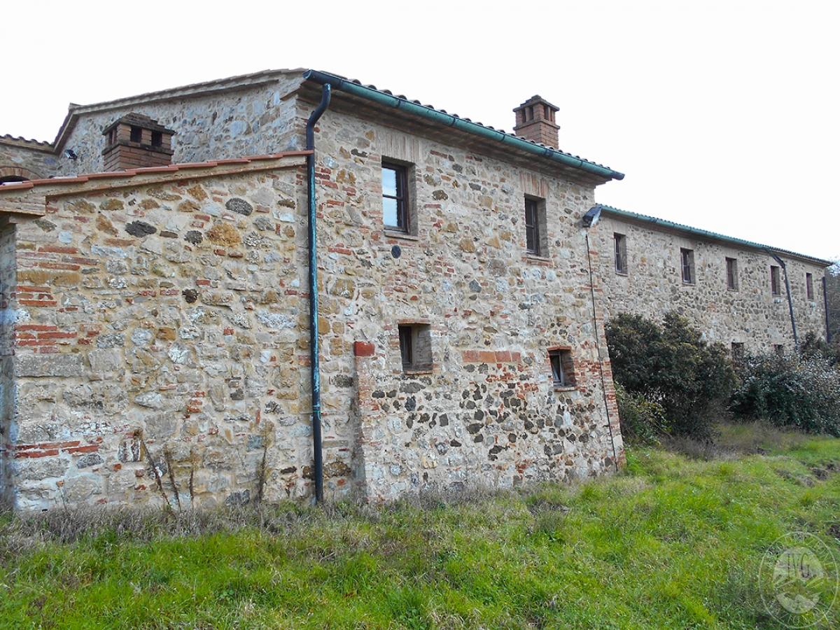 Appartamenti e terreni a Casole d'Elsa in Loc. Monatuto 15
