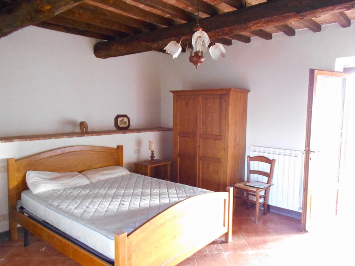 Appartamenti e terreni a Casole d'Elsa in Loc. Monatuto 23