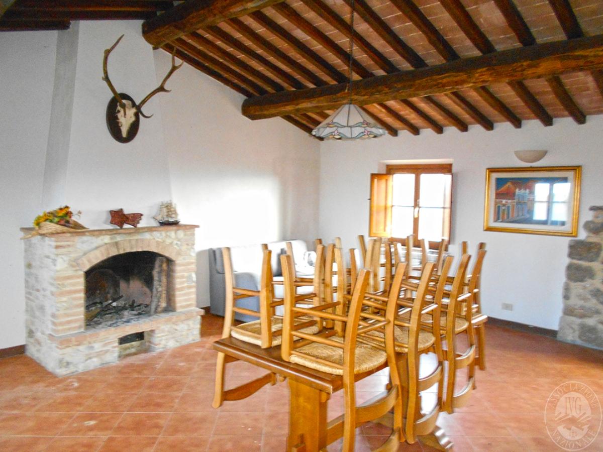 Appartamenti e terreni a Casole d'Elsa in Loc. Monatuto 26