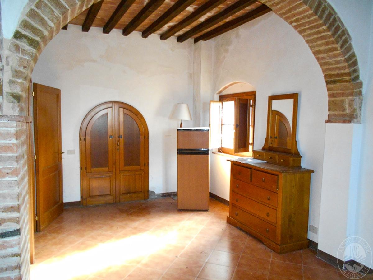Appartamenti e terreni a Casole d'Elsa in Loc. Monatuto 34