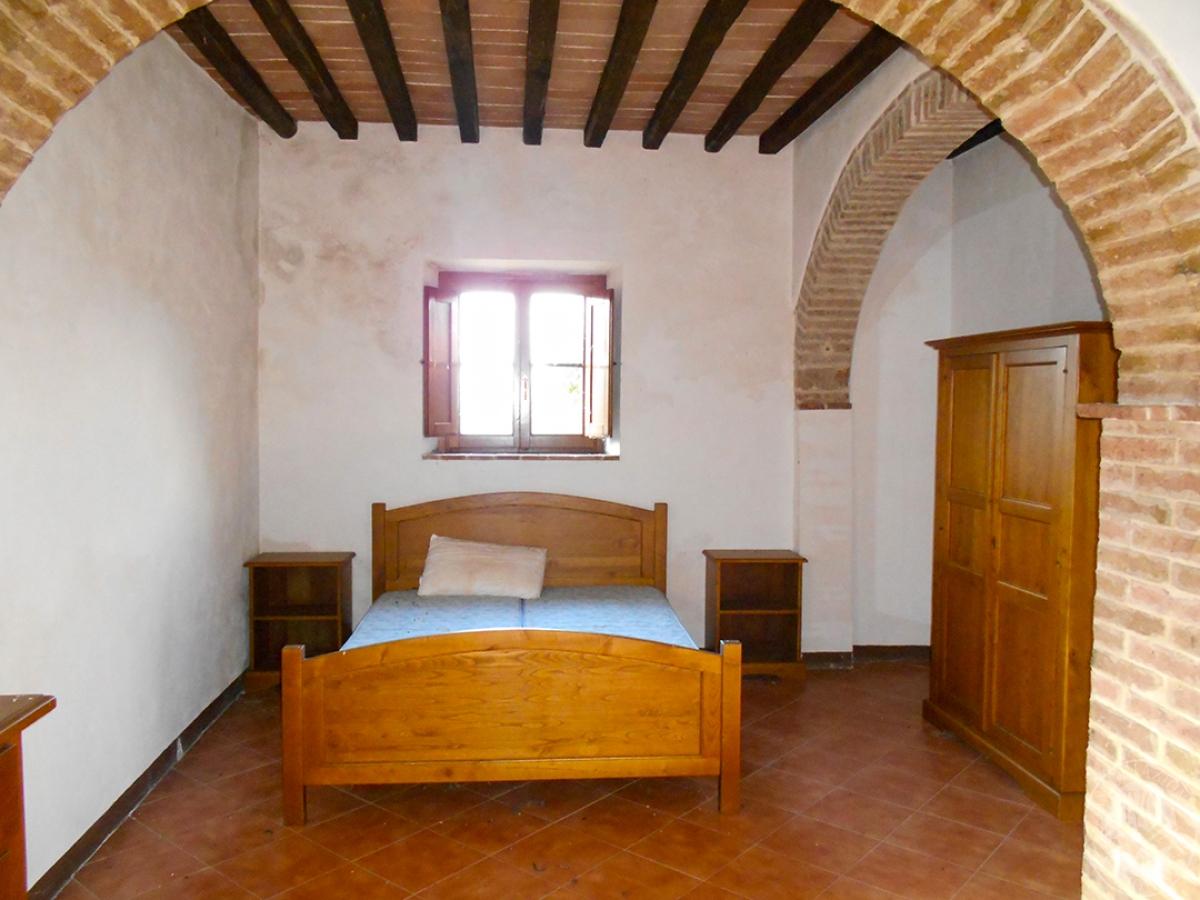 Appartamenti e terreni a Casole d'Elsa in Loc. Monatuto 33
