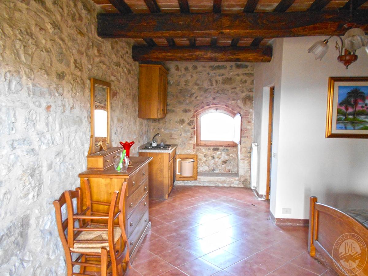 Appartamenti e terreni a Casole d'Elsa in Loc. Monatuto 40