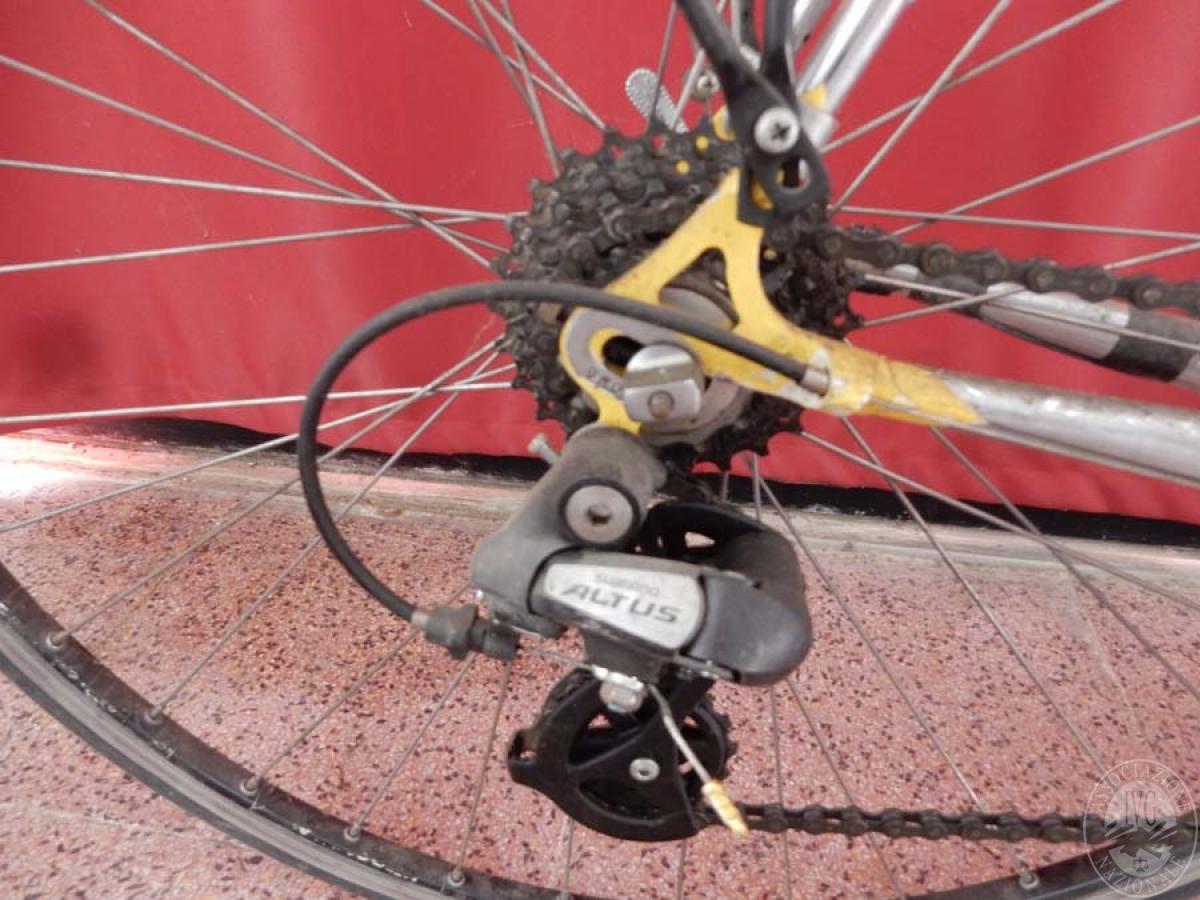 Bicicletta da corsa colore giallo    GARA ONNLINE 1 OTTOBRE 2021 2