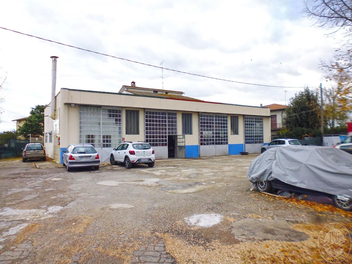 Capannone e appartamento a Monte San Savino in loc. Montagnano