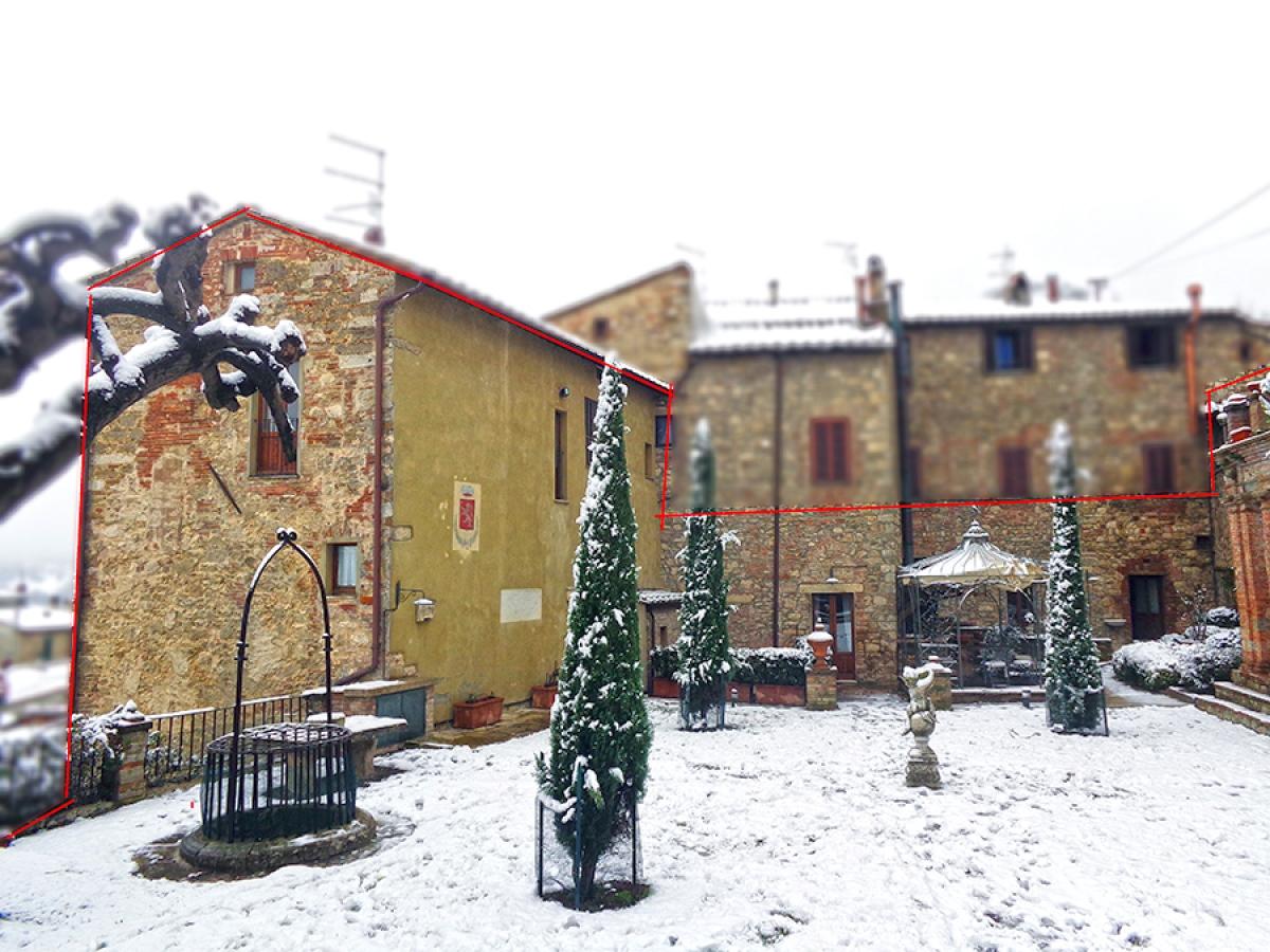 Parte di edificio storico a SARTEANO in Via dei Lecci
