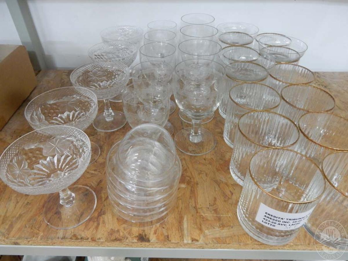 Rif. 31) N. 7 scatole di bicchieri assortiti    GARA ONLINE 15 OTTOBRE 2021