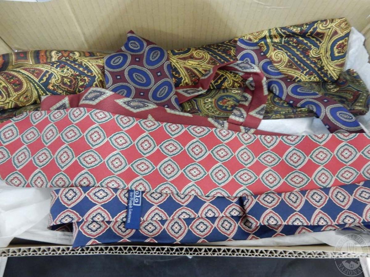 Rif. 10) Scatola contenente cravatte assortite     GARA ONLINE 15 OTTOBRE 2021