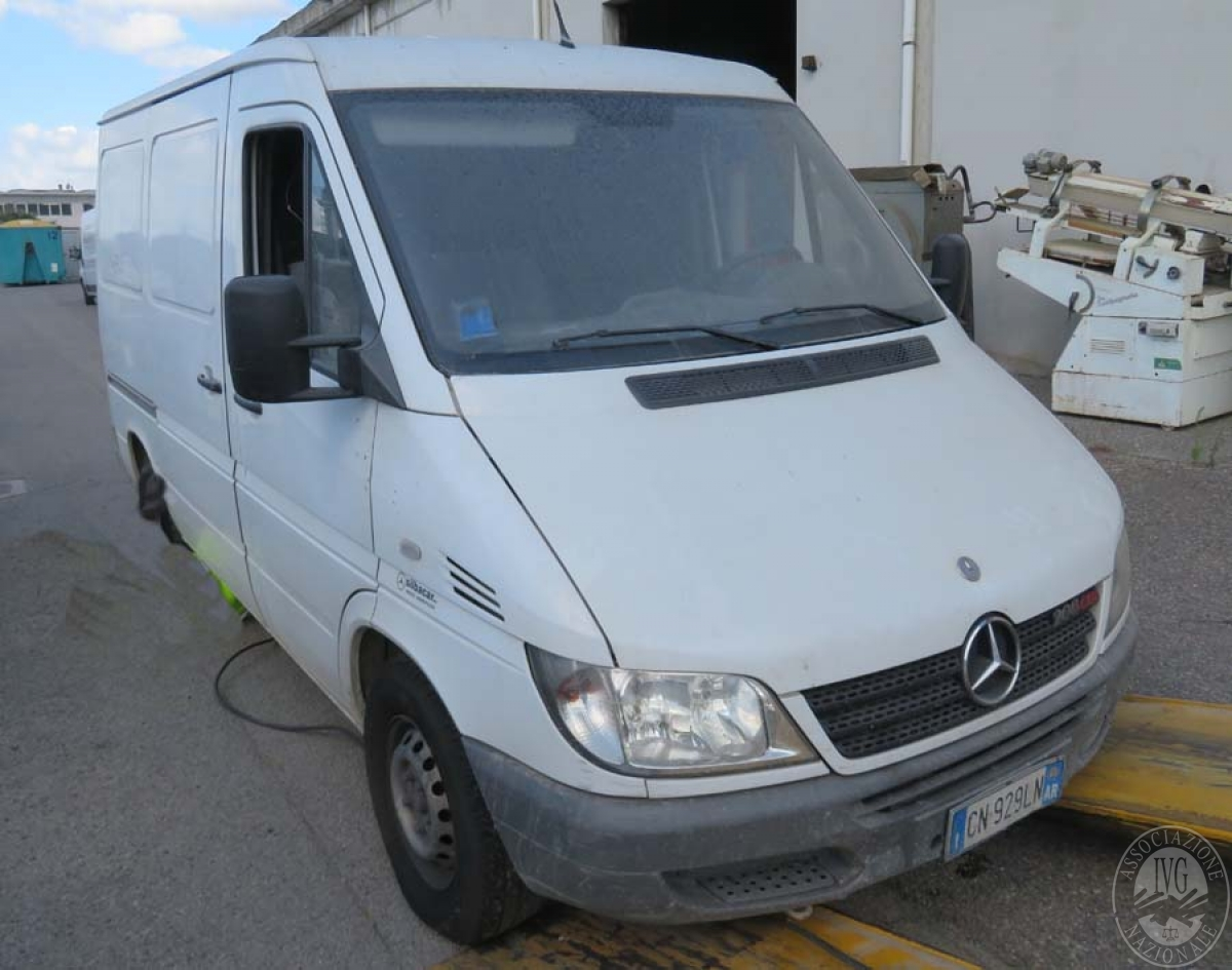 Autocarro Mercedes 208 CDI Tg CN929LN    GARA ONLINE 25 NOVEMBRE 2021