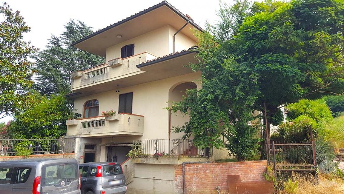 Appartamenti a Castelfranco Piandiscò in località Faella