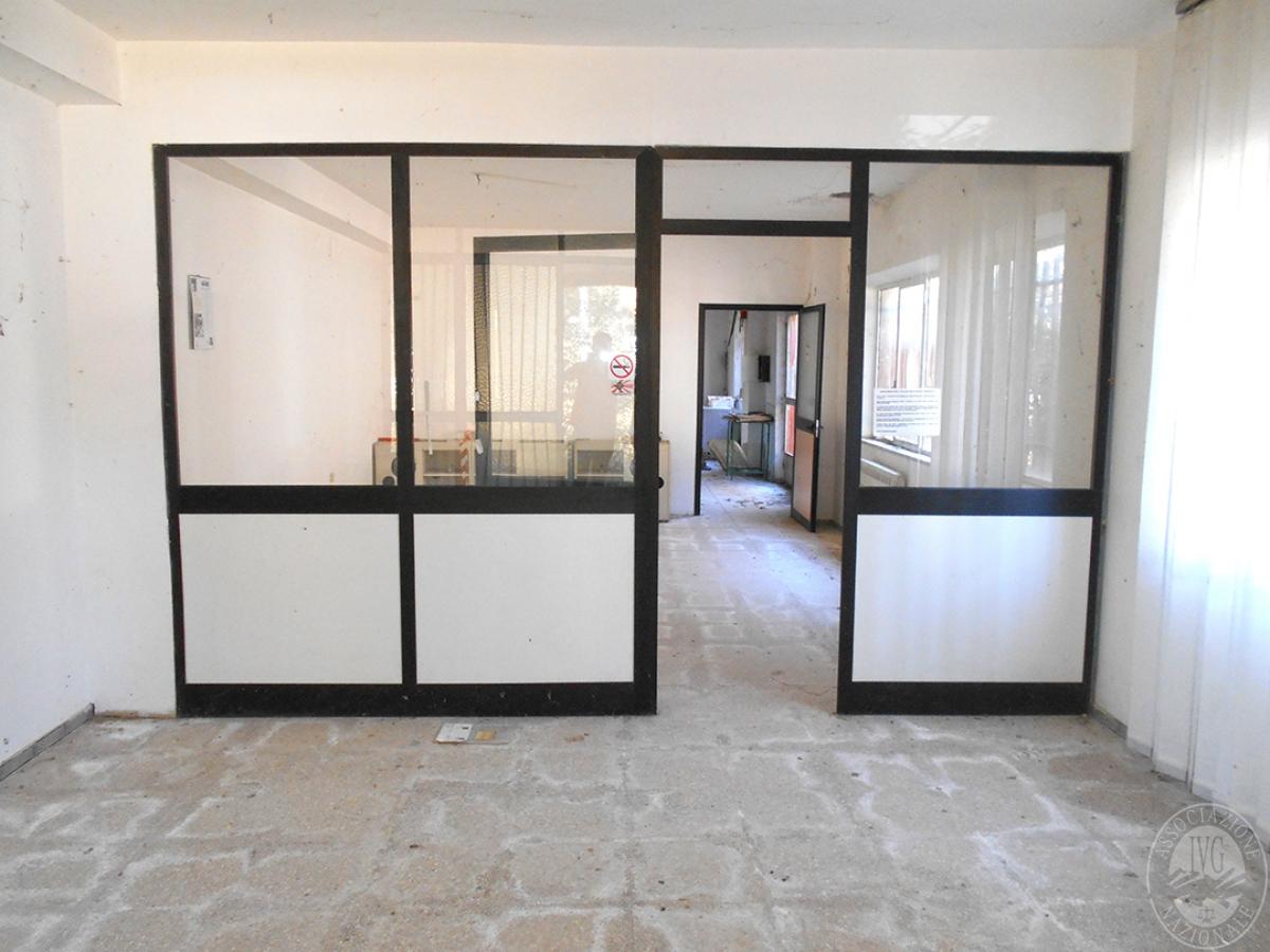 Appartamento e locali artigianali a CHIUSI in Via del Fondino 1