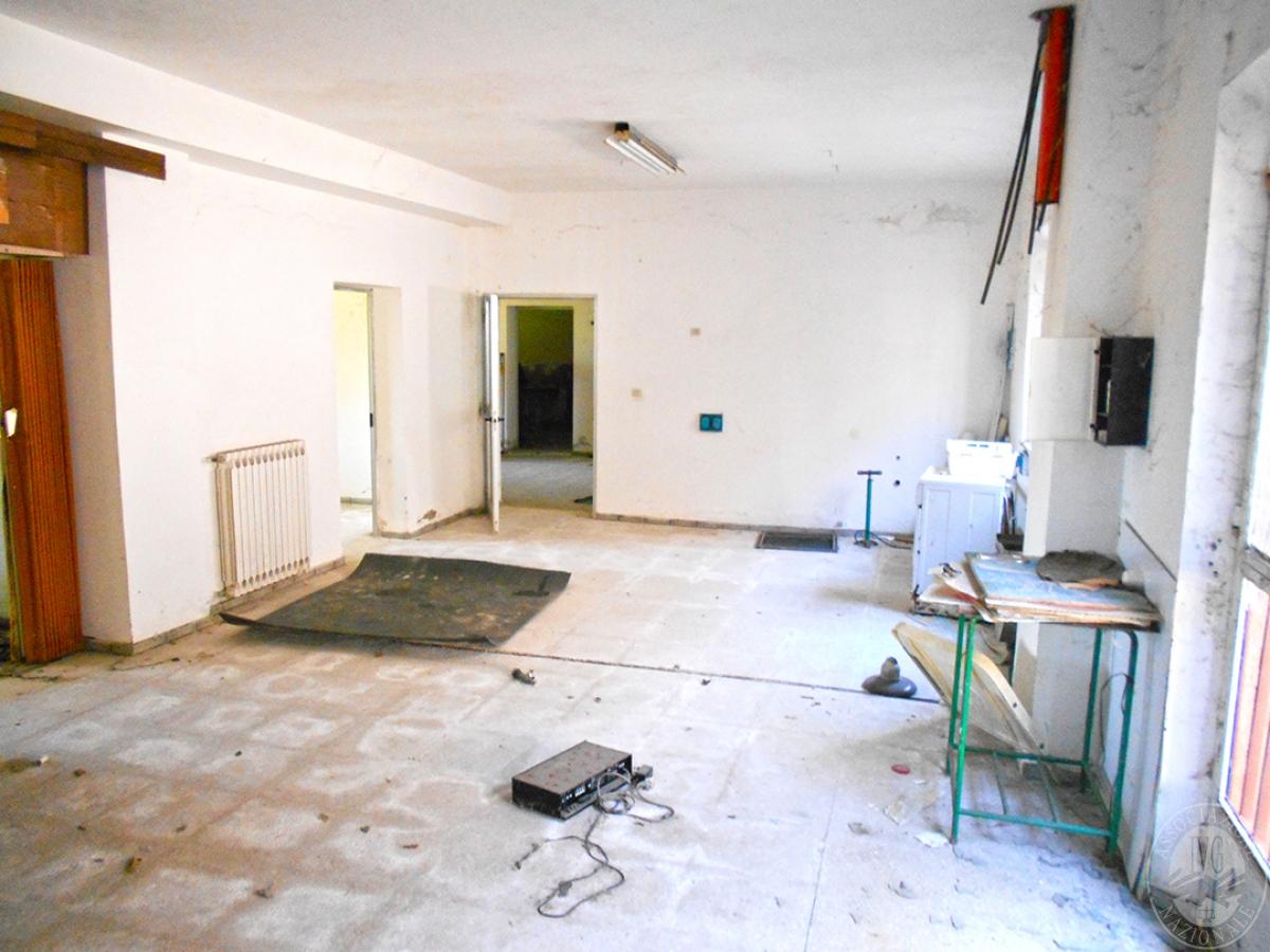 Appartamento e locali artigianali a CHIUSI in Via del Fondino 3