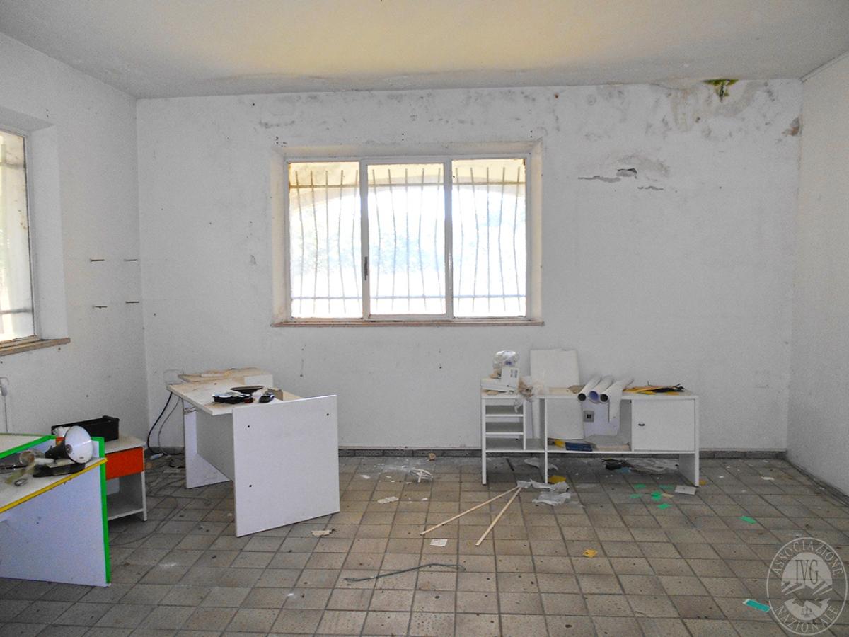 Appartamento e locali artigianali a CHIUSI in Via del Fondino 2