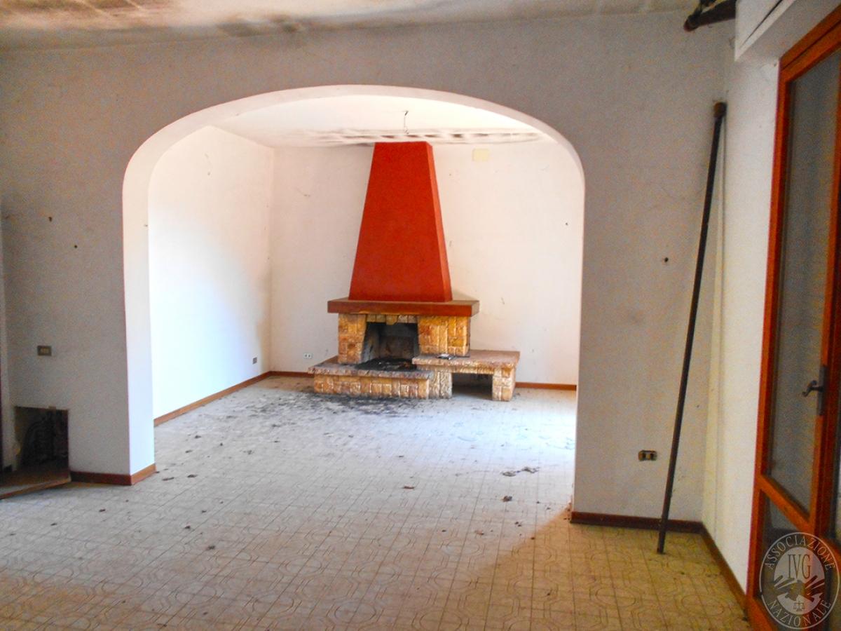 Appartamento e locali artigianali a CHIUSI in Via del Fondino 10