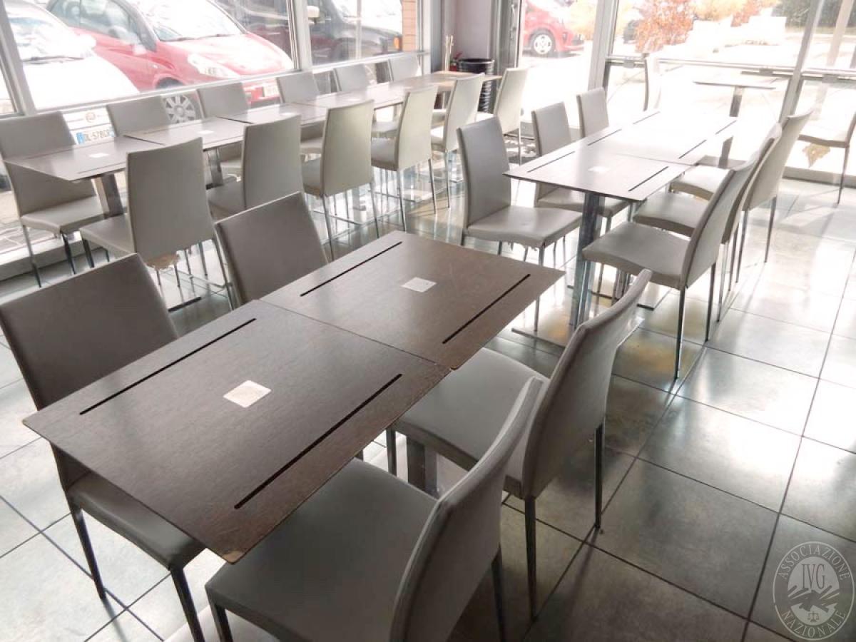Lotto 37) N. 21 tavolini + 42 sedie      GARA ONLINE 29 NOVEMBRE 2021