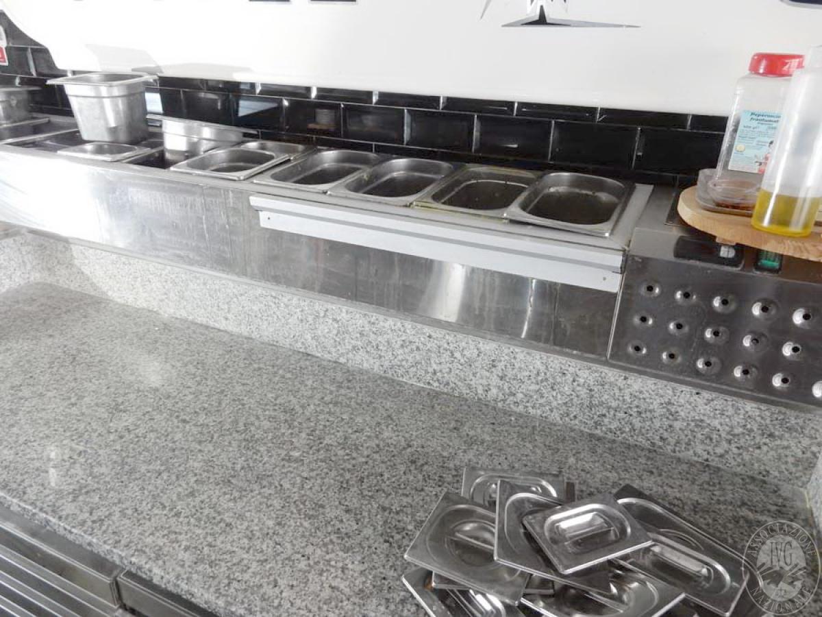 Lotto 46) Bancone in acciaio inox con frigorifero     GARA ONLINE 29 NOVEMBRE 2021