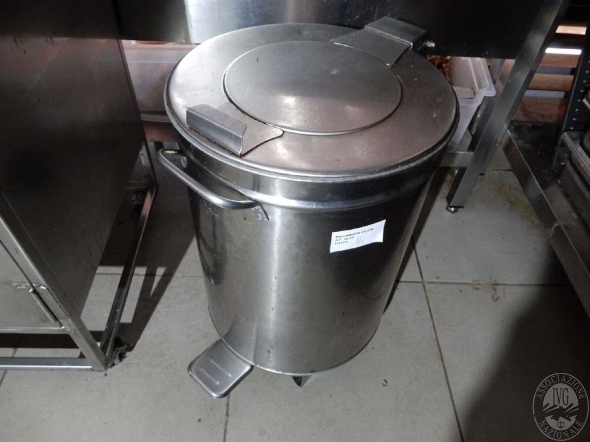 Lotto 14) N. 2 robot da cucina + contenitore in acciaio inox   GARA ONLINE 29 NOVEMBRE 2021