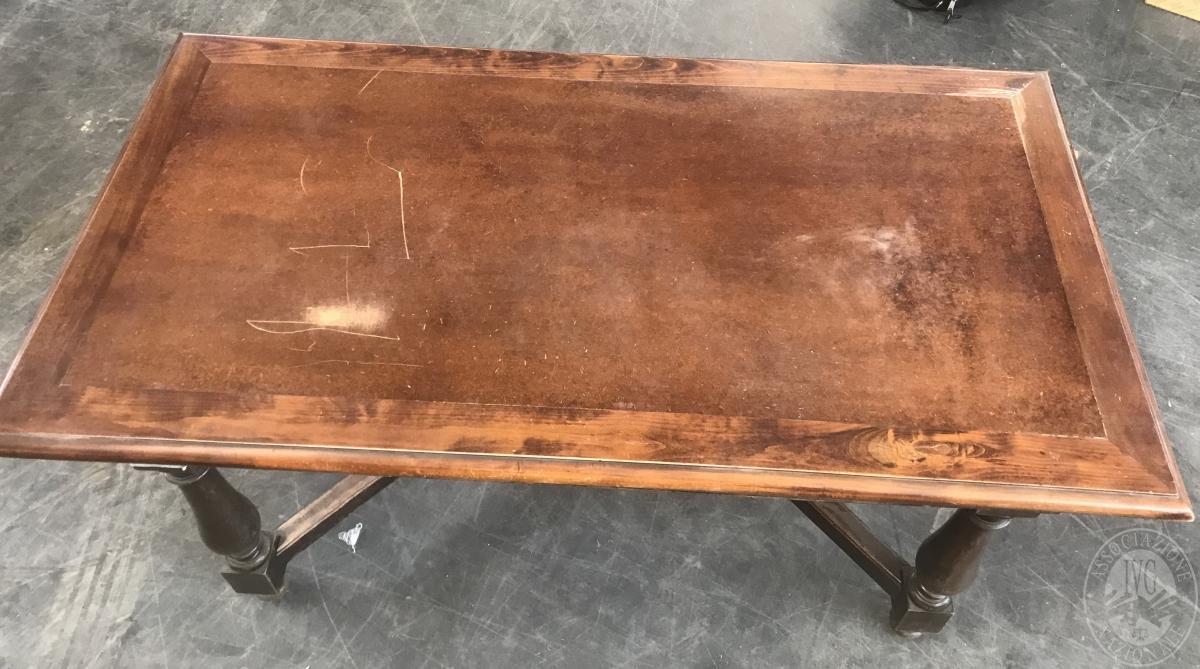 Scrivania in legno     GARA ONLINE 25 NOVEMBRE 2021