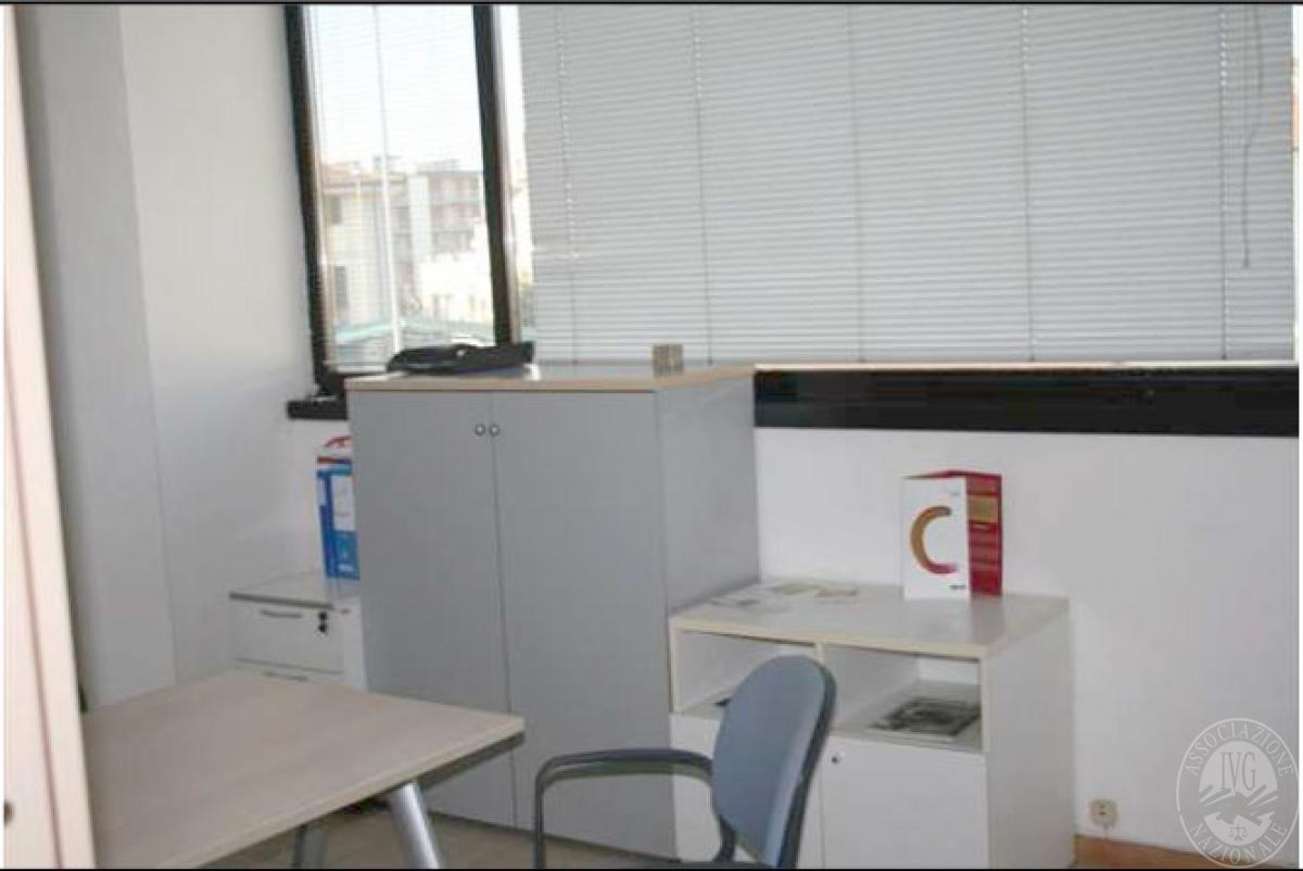 Rif L10 - Ufficio a VIAREGGIO - Via Aurelia Sud 2