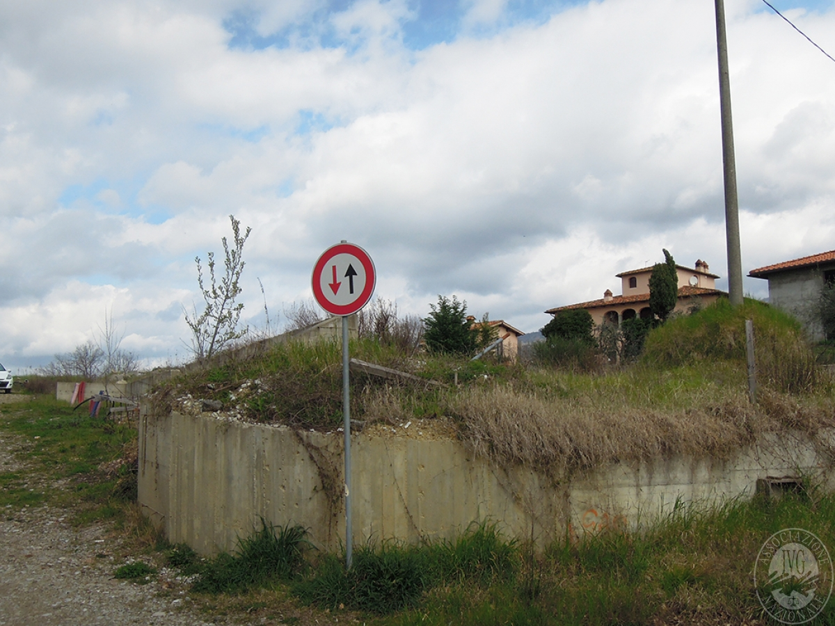 Terreno edificabile a TERRANUOVA BRACCIOLINI in loc. Piantravigne 4